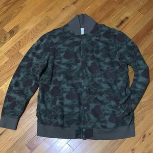 American Eagle Men's XL Camo Fleece Jacket